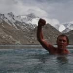 Mt Everest swim – Sean Wisedale takes a dip